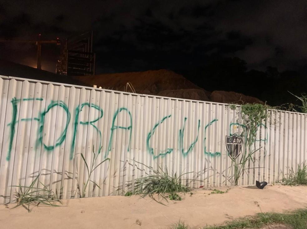 Torcida atleticana pediu a saída do técnico Cuca. Foto: Reprodução