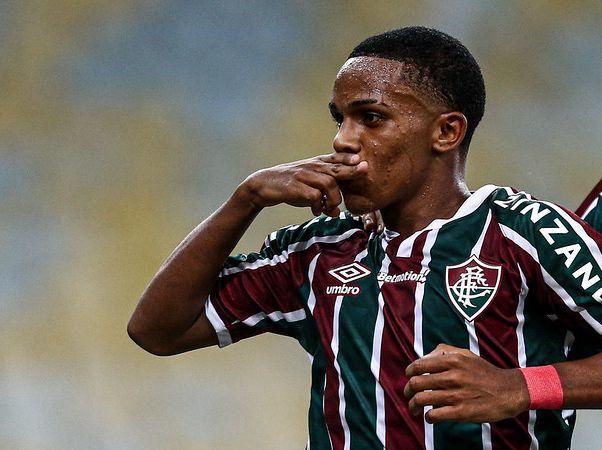 Kayky ficará no Flu até o final da temporada 2021. Foto: Lucas Merçon/Fluminense FC
