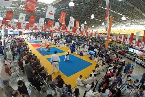 6ª edição do evento reúne atletas e ex-atletas como Hugo Pessanha e Gabriel Rusca, além de autoridades das Confederações Paulista e Brasileira do Judô