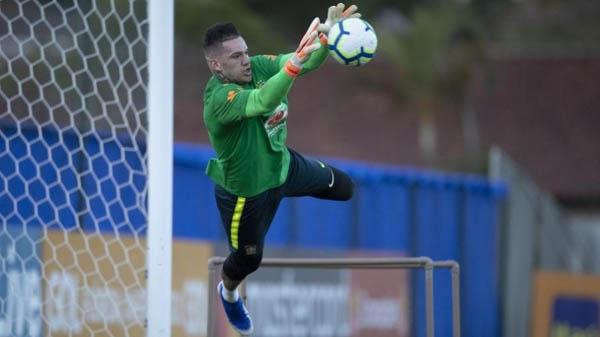 Ederson, em treino da seleção brasileira antes da Copa América. Foto: Lucas Figueiredo/CBF/Via UOL