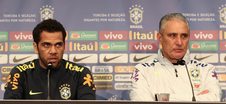 Principal dúvida da lista de Tite desta segunda é o substituto de Daniel Alves