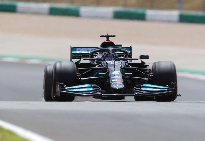 Britânico se recuperou após perder o segundo lugar no começo. Foto: Mercedes-AMG Petronas F1