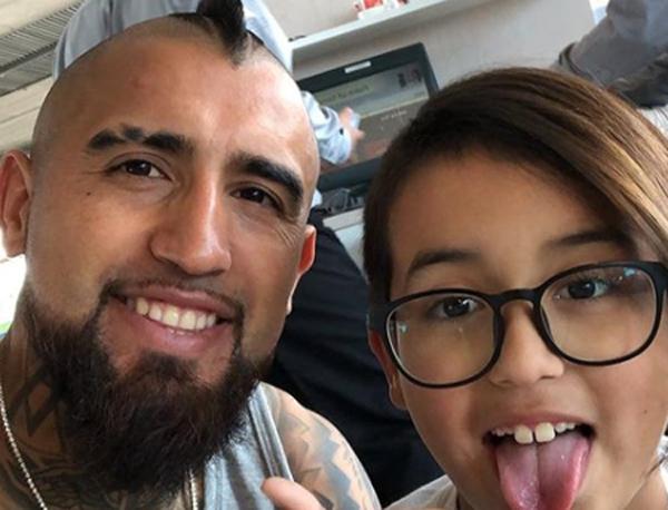 Filho de Arturo Vidal recebe ameaças de morte nas redes sociais