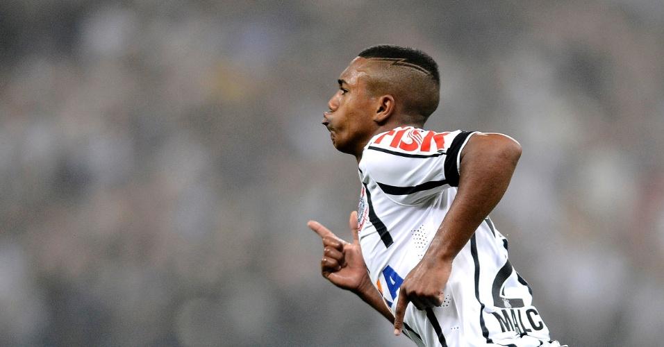 Malcom subiu para o time profissional do Corinthians neste ano
