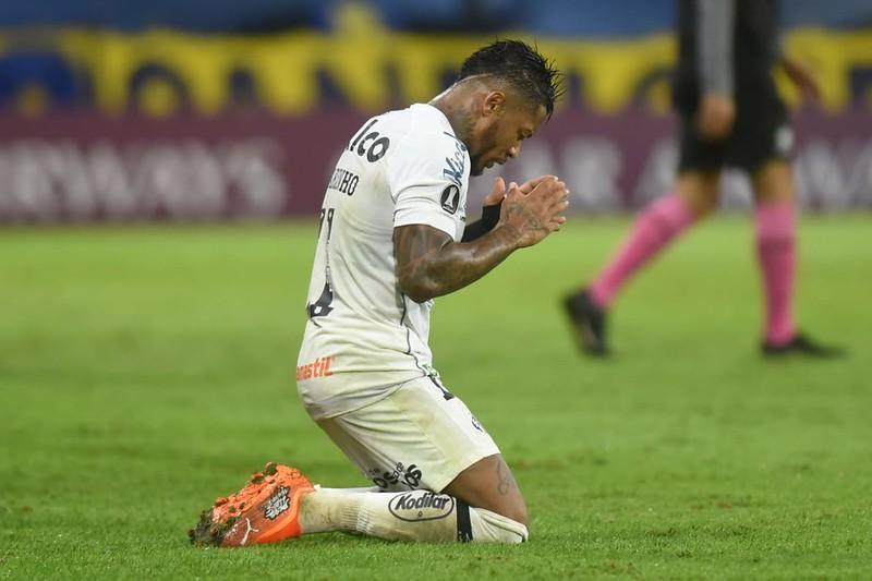 Marinho saiu do contra o Palmeiras machucado. Foto: Ivan Storti/Santos FC