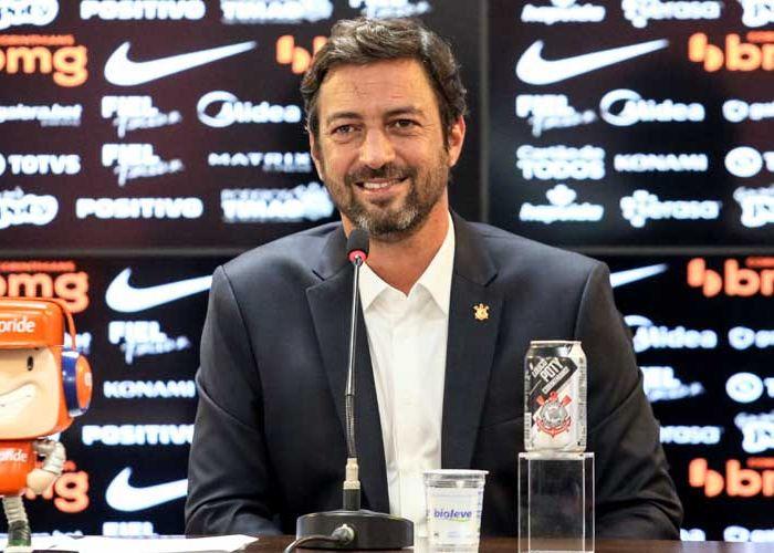 Presidente do Timão busca um novo treinador para a equipe. Foto: Rodrigo Coca/Ag Corinthians