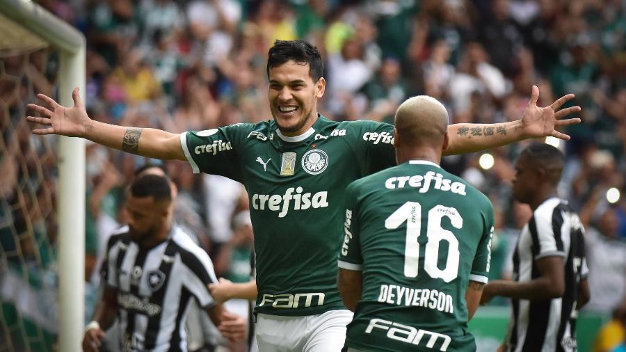Gustavo Gomez comemora um de seus gols com a camisa do Palmeiras. Foto: Andre Borges/AGIF