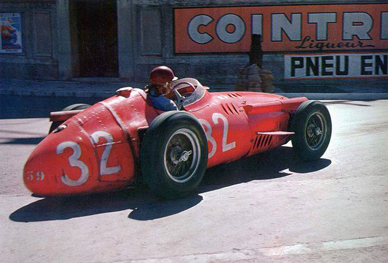 O ideal, provavelmente, é eleger o mais capacitado de sua geração, como Fangio foi nos anos 50