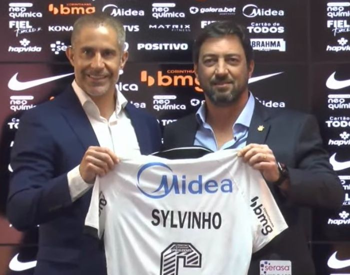 Treinador do Timão assinou contrato até o fim de 2022. Foto: Corinthians TV/Reprodução