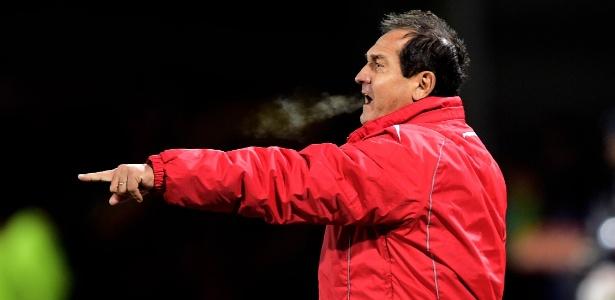 Muricy Ramalho tem como principal desafio controlar o ânimo em jogos do São Paulo
