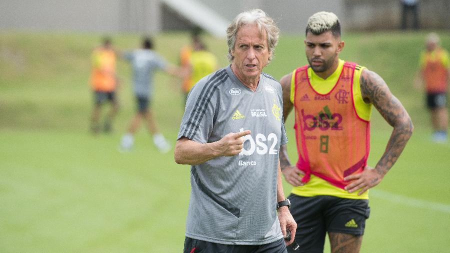 Treinador passa instruções em seu primeiro dia de treino no Fla. Foto: Alexandre Vidal / Site oficial do Flamengo