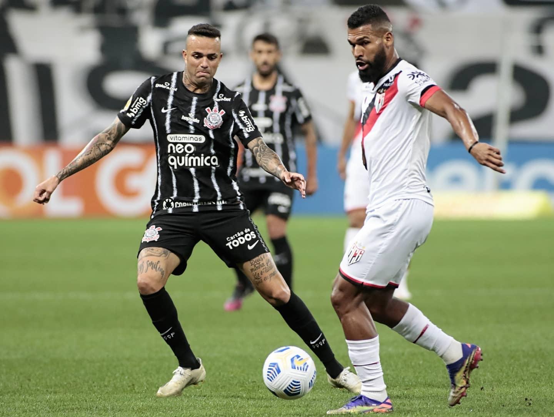 Timão e Dragão se enfrentaram no último domingo, quando os goianos venceram pelo Brasileiro. Foto: Facebook/Atlético-GO