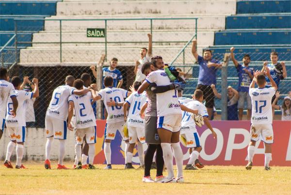 Galo Azul venceu o Rubro-Verde por 2 a 0 na estreia de ambos na Copa Paulista. Foto: Daniel Lins/A Folha Esportiva/Divulgação