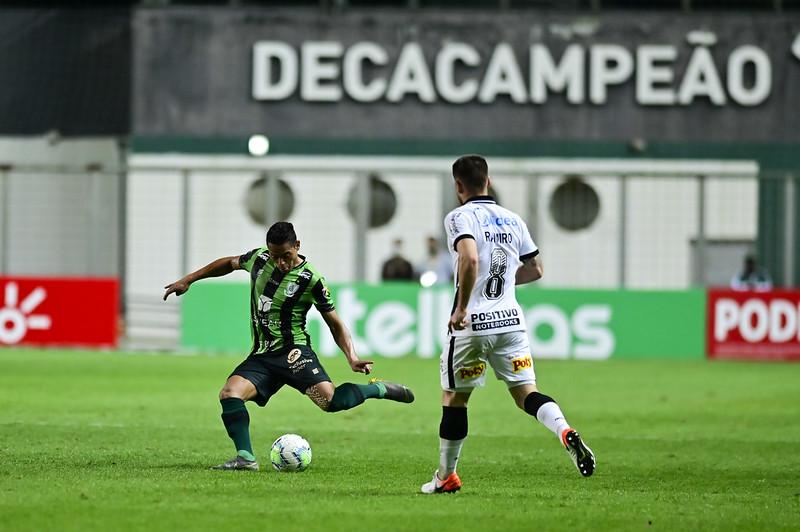 Coelho e Timão ainda não venceram no campeonato. Foto: Mourão Panda/América