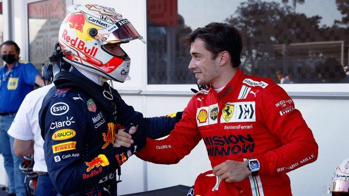Holandês cumprimenta o pole Leclerc. Foto: Red Bull Racing Honda