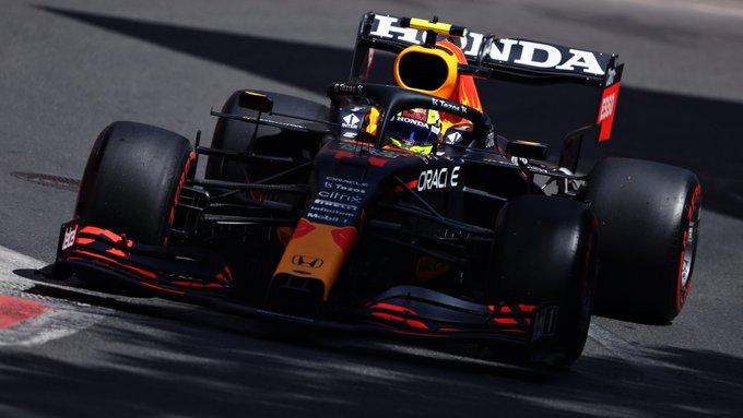 Mexicano levou a Red Bull ao triunfo nas ruas de Baku. Foto: Red Bull Racing Honda