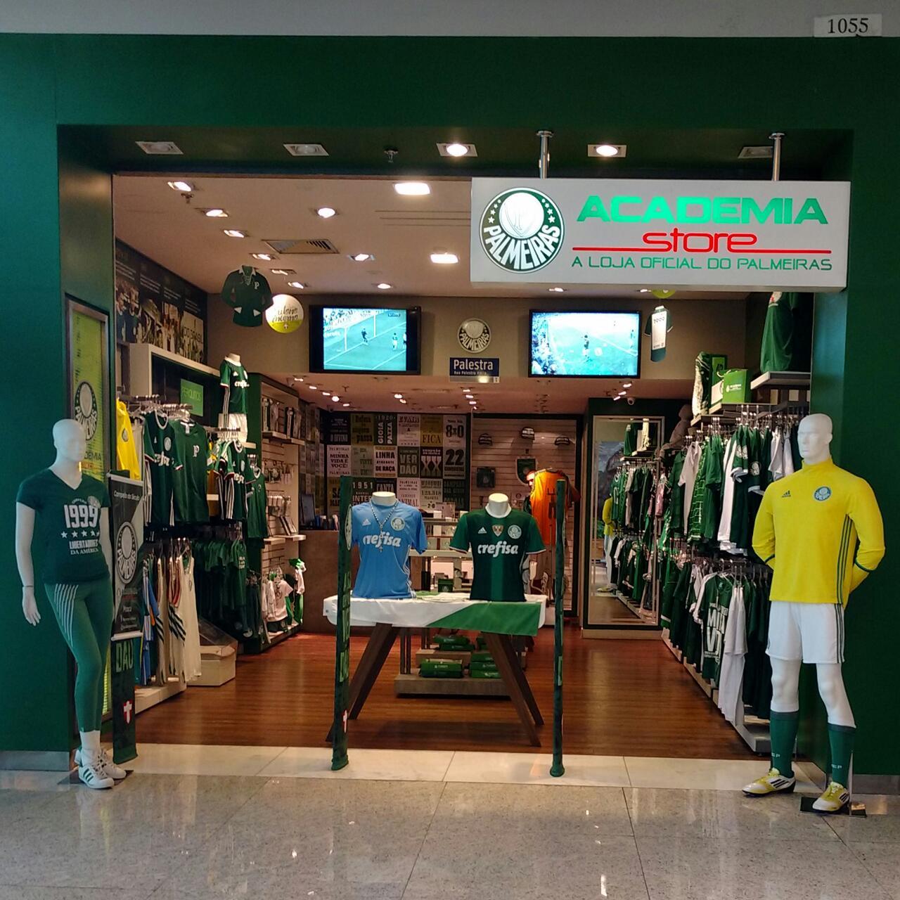 11af955caf277 Ganhadora da promoção de loja oficial se prepara para ver estreia do ...