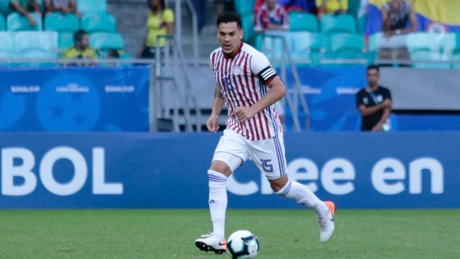 Gustavo Gómez, zagueiro do Paraguai, contra a Colômbia. Foto: Divulgação