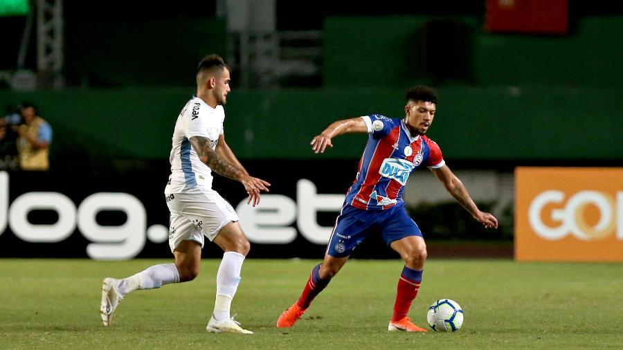 Volante Douglas Augusto está a caminho do futebol grego para a temporada 2019-20