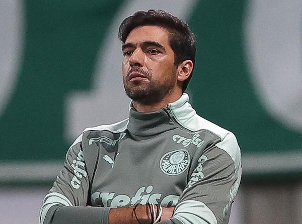 Abel está pressionado no Palmeiras por causa da eliminação do Verdão da Copa do Brasil. Foto: Cesar Greco/Ag. Palmeiras