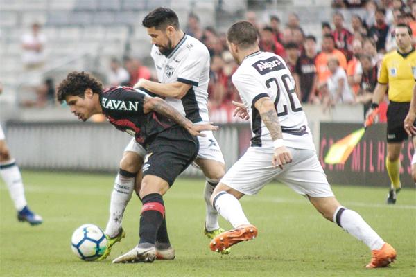Com o resultado, o Atlético-PR segue na sétima colocação, com 54 pontos