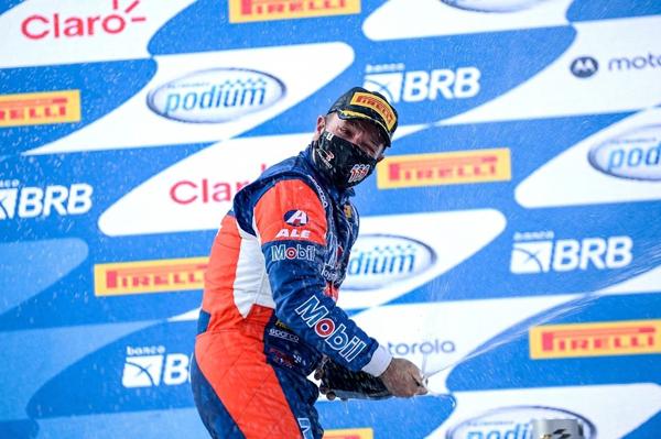 Piloto da Full Time chegou ao 15º triunfo na categoria. Foto: Divulgação/Stock