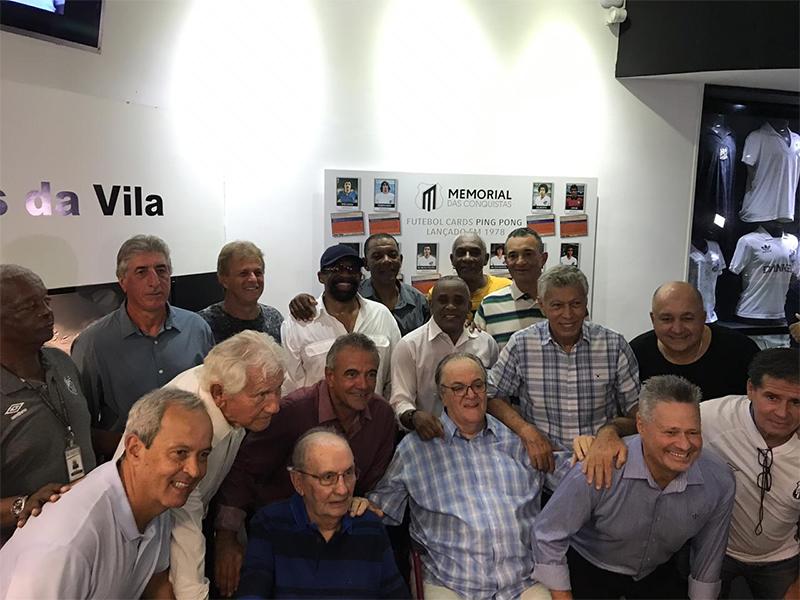 Pita, Juary, Clodoaldo e outros se encontram na Vila Belmiro e relembram o título que patenteou a marca santista