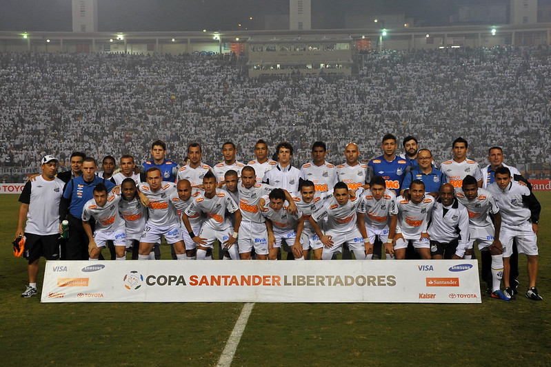 Elenco santista era comandado por Muricy Ramalho, atualmente coordenador de futebol do São Paulo. Foto: Santos/Divulgação