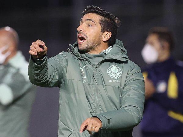 Após derrota para o Bragantino, torcedores e o técnico Abel Ferreira cobraram contratações. Foto: Cesar Greco