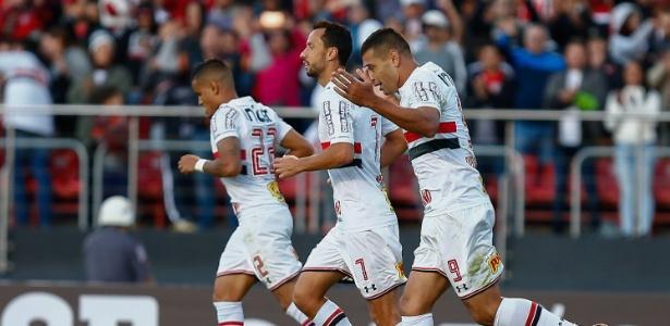 Everton, Nenê e Diego Souza integram o sexteto de confiança de Aguirre no São Paulo. Foto: Marcello Zambrana/AGIF