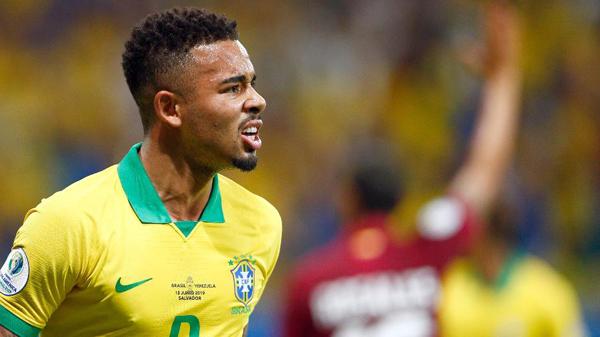 Gabriel Jesus lamenta após ter gol anulado durante Brasil x Venezuela. Foto: Thiago Calil/AGIF/Via UOL
