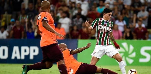 Fluminense perde para o Atlético-PR e é eliminado