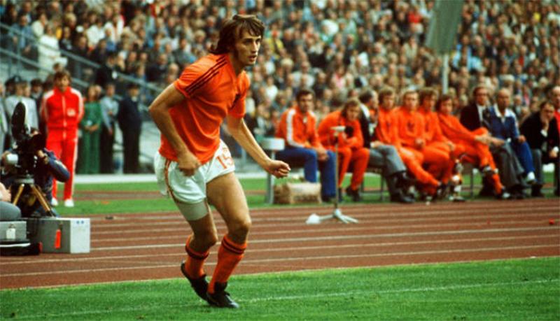 Atacante brilhou com a Holanda em dois mundiais. Foto: Divulgação