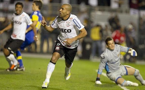 Atacante marcou os dois gols do Alvinegro contra o Boca Juniors. Foto: Daniel Augusto Jr./ Ag. Corinthians