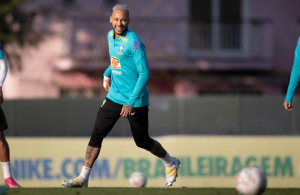 Neymar, durante treino na Granja Comary. Foto: Lucas Figueiredo/CBF