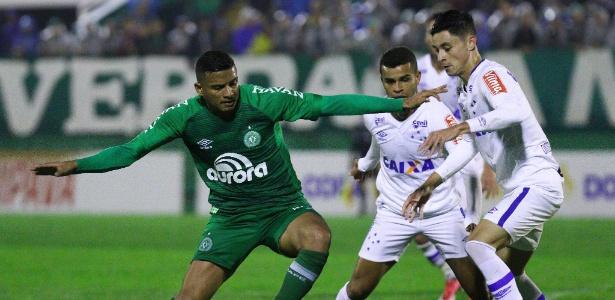 Com a camisa da Chape, Reinaldo chamou a atenção da diretoria do São Paulo. Foto:Marcio Cunha/Light Press/Cruzeiro