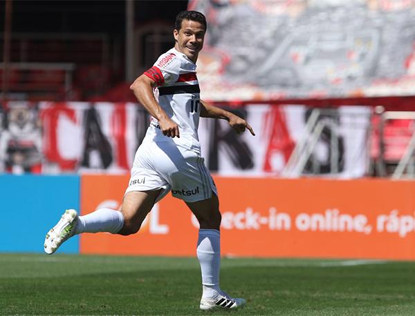 Camisa 15 do Tricolor discute seu futuro com a direção do clube. Foto: Rubens Chiri/saopaulofc.net