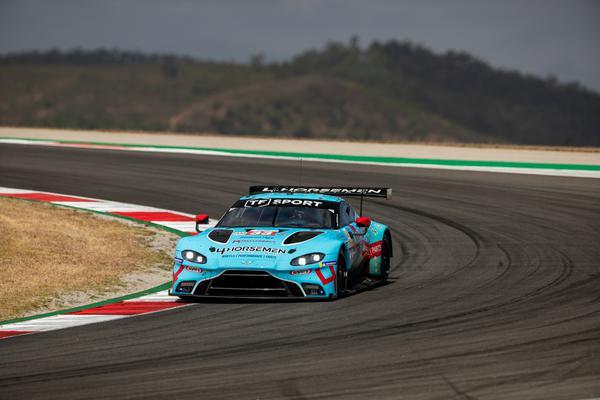 Piloto brasileiro compete com Aston Martin Vantage AMR. Foto: Andrew Lofthouse/RF1