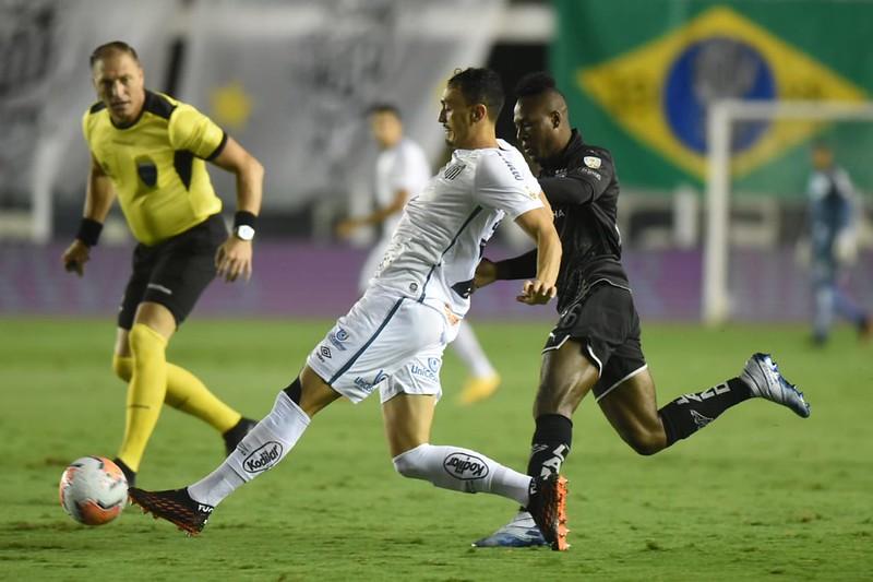 Em 2021, Peixe vendeu quatro dos seus principais jogadores por verdadeiras pechinchas. Foto: Ivan Storti/Santos FC