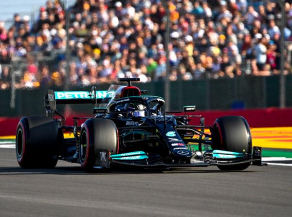 Britânico reagiu após evoluções trazidas pela Mercedes. Foto: Mercedes-AMG Petronas F1 Team