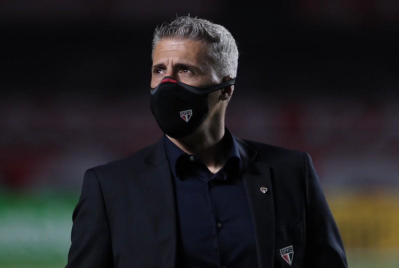 Técnico Hernán Crespo espera contar com mais um atacante em seu elenco. Foto: Rubens Chiri/saopaulofc.net