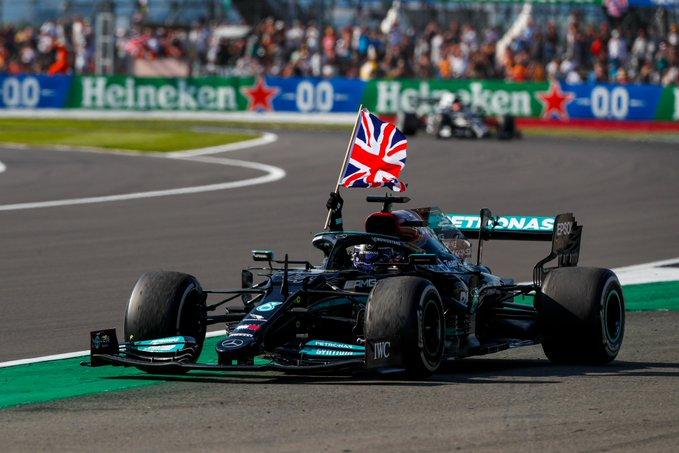Britânico superou problema inicial para triunfar em Silverstone. Foto: Mercedes-AMG Petronas F1