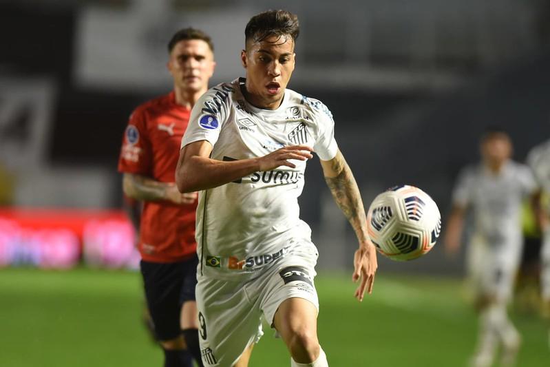 Atacante do Peixe pode deixar o clube nas próximas semanas. Foto: Ivan Storti/Santos FC